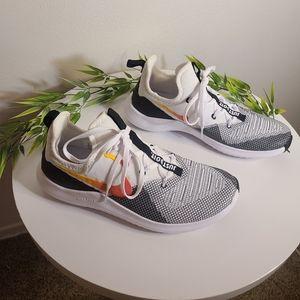 NWOT Nike Free TR black-white Cross Training tennis shoes